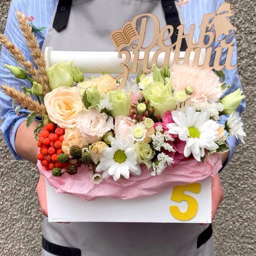 Цветочный ящик День знаний: букеты цветов на заказ Flowwow