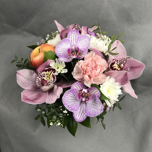 Яблочный аромат: букеты цветов на заказ Flowwow