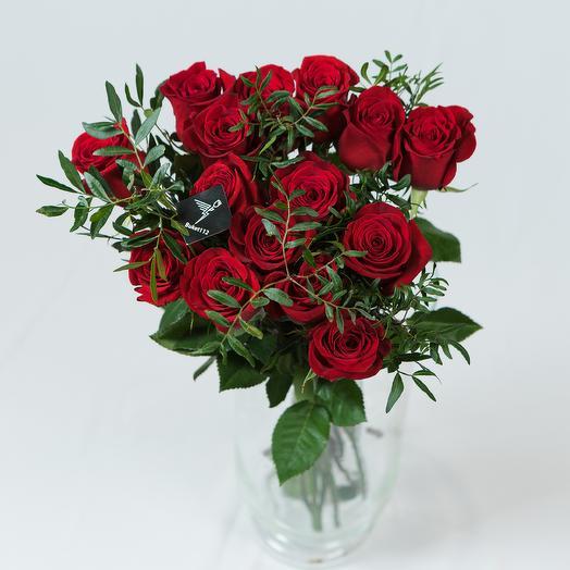 15 роз премиум 60 см с зеленью (Эквадор): букеты цветов на заказ Flowwow