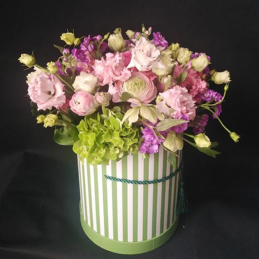 "Букет в коробке ""Летние сны"": букеты цветов на заказ Flowwow"
