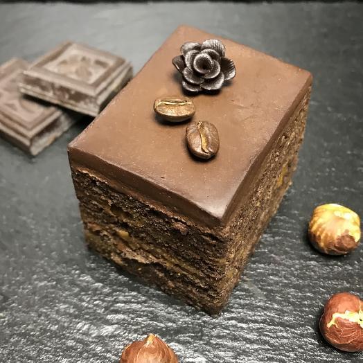 Фитнес шоколадное пирожное: букеты цветов на заказ Flowwow