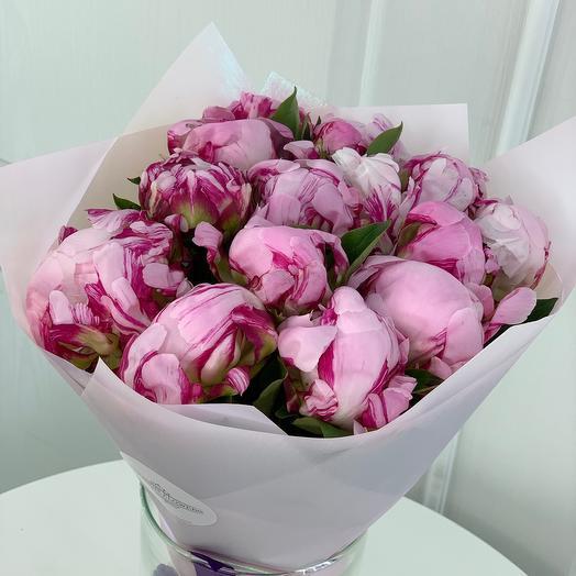 15 розовых пионов: букеты цветов на заказ Flowwow