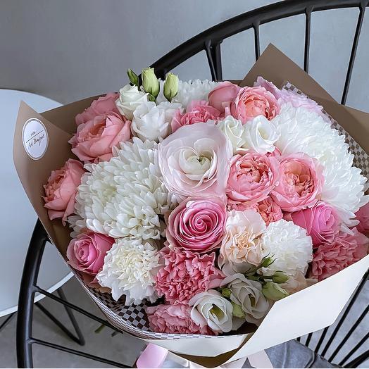 Нежный Букет с кустовой розой «Джульетта»