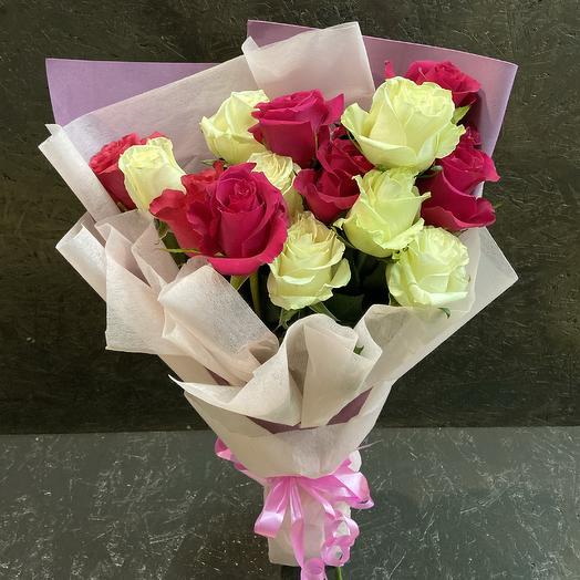 Букет из Розы белой и красной: букеты цветов на заказ Flowwow