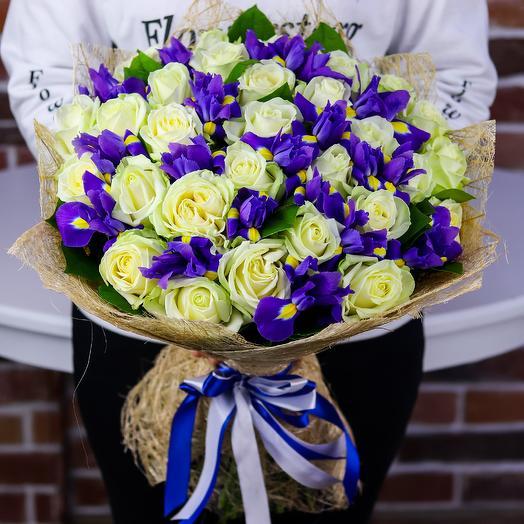 Букет из белых роз с ирисами. N810