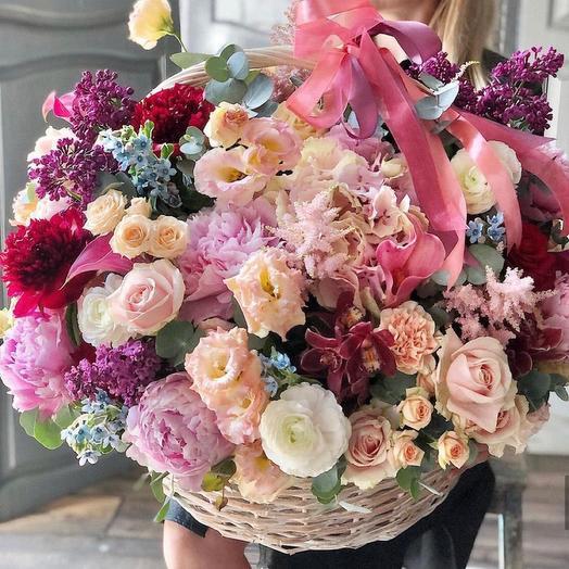 """Корзина с цветами """"Царице"""""""