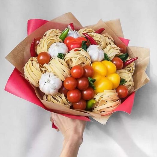 Букет з закусками и макаронами)