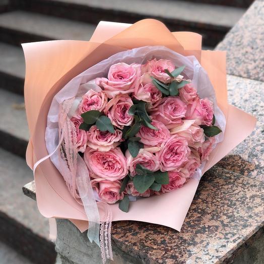 Парфюмированные пионовидные розы