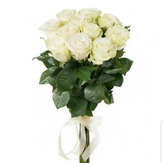 """11 белых роз """"Мондиаль"""" 70 см. на ленте"""