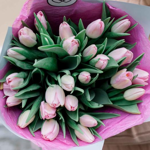 Букет из 25 нежно-розовых тюльпанов