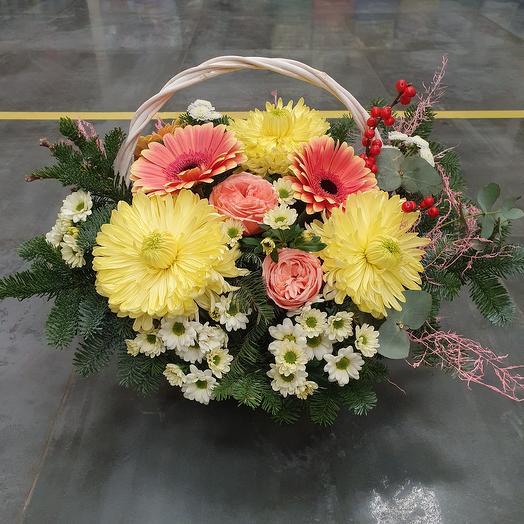 """Корзина с цветами """"Зимнее утро"""""""