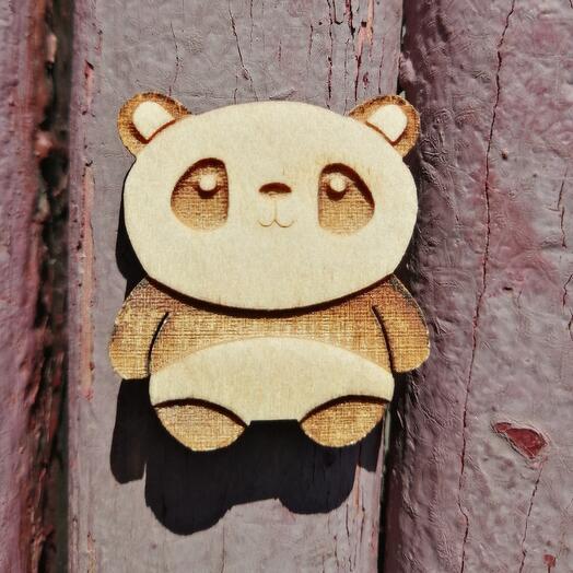 Деревянный значок панда