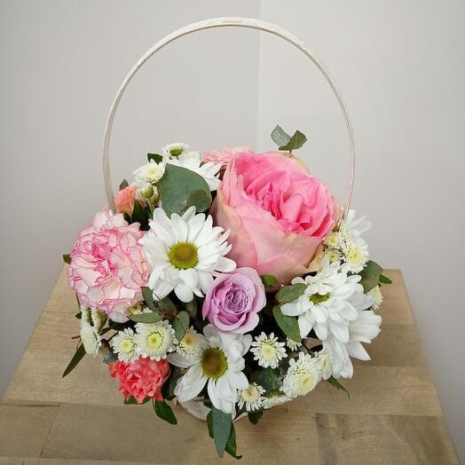 Корзина с цветами