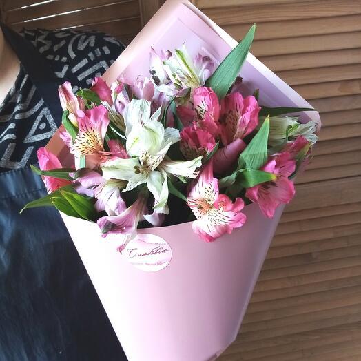 Bouquet of 7 alstroemeria