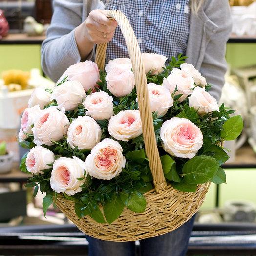 Корзина из пионовидных роз Цветочная фея