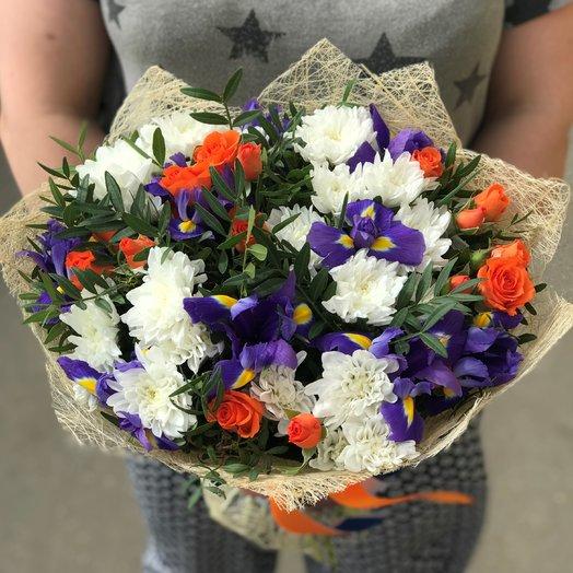 Ирис, Кустовая хризантема. Кустовая роза. N144: букеты цветов на заказ Flowwow