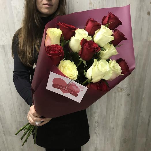 В объятиях любви: букеты цветов на заказ Flowwow