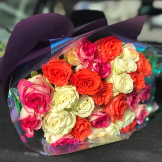 27 шикарных роз