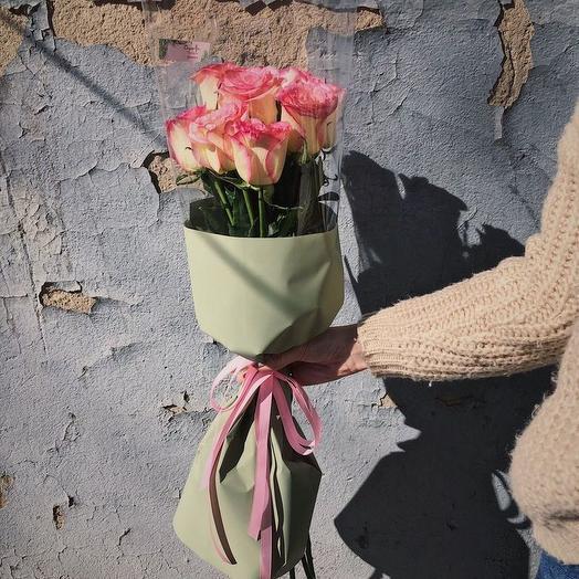 БУКЕТ ИЗ 9 РОЗОВЫХ РОЗ В МАТОВОЙ УПАКОВКЕ: букеты цветов на заказ Flowwow