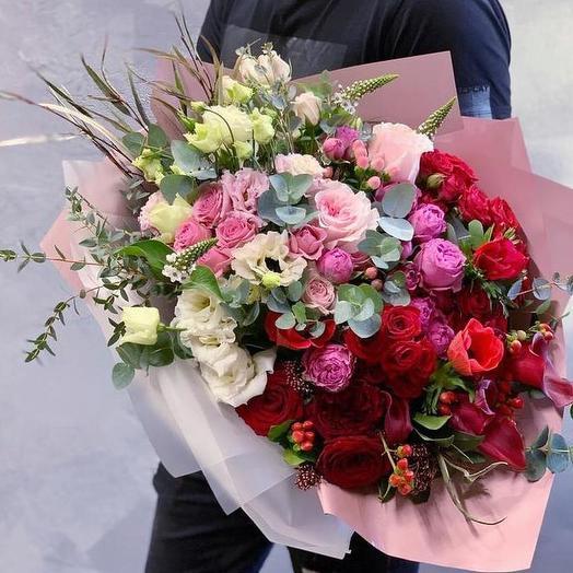 Цветочная роскошь с разными сортами роз: букеты цветов на заказ Flowwow