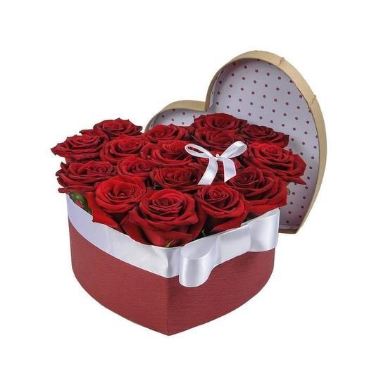"""цветы в щляпной коробке """"Нелли """""""