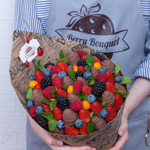 Букет Ягодный микс с Шоколадом: букеты цветов на заказ Flowwow
