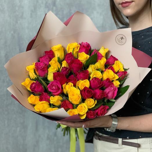 Букет из 51 розы микс в ярких тонах