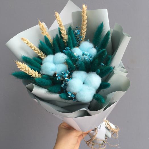 Букетик сухоцветов в голубых и зеленых оттенках