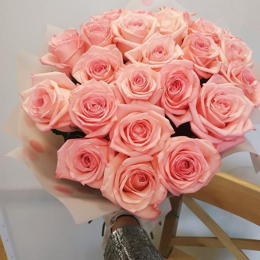 Розовые розы 🌺 ( 17 шт)