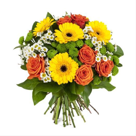 Букет из роз, гербер с хризантемами