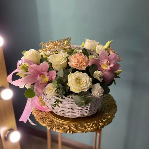 Корзина с цветами «Элли»