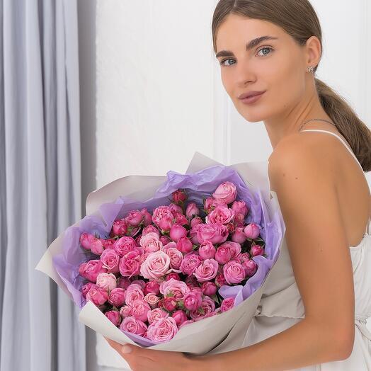 Букет из 25 кустовых пионовидных роз
