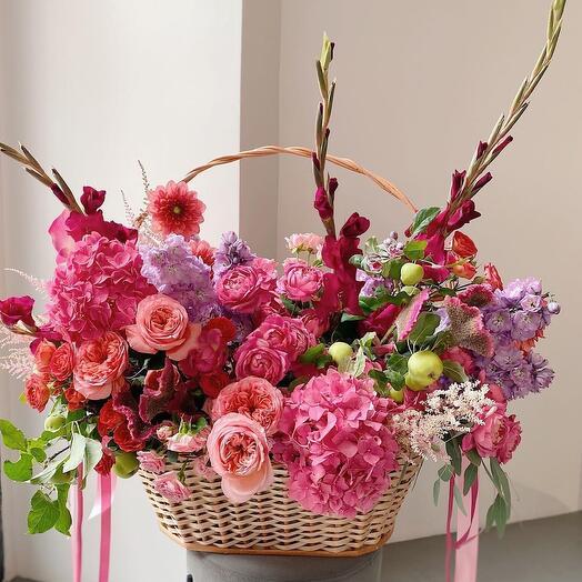 Корзина с цветами Luxury Flowers Райский сад