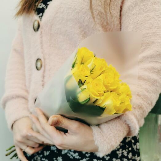 Букет Бронкс 11 из желтых роз 40 см