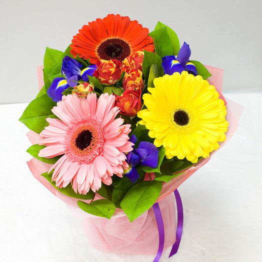 Букет из гербер и ирисов: букеты цветов на заказ Flowwow