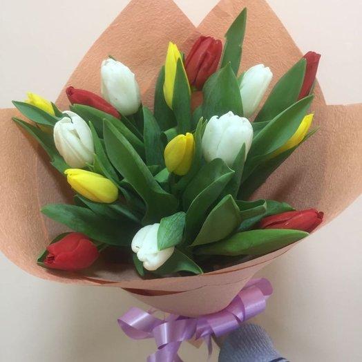 Очаровательный букет из 15 тюльпанов! : букеты цветов на заказ Flowwow