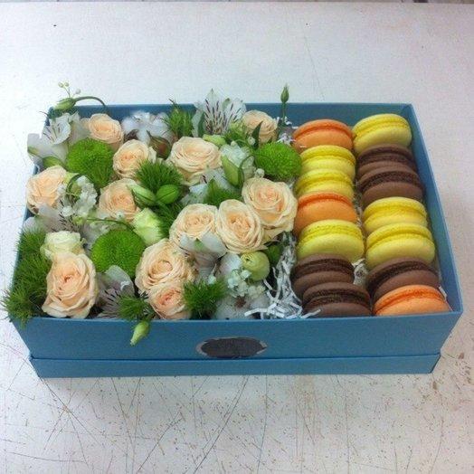 Сладости в цветах: букеты цветов на заказ Flowwow