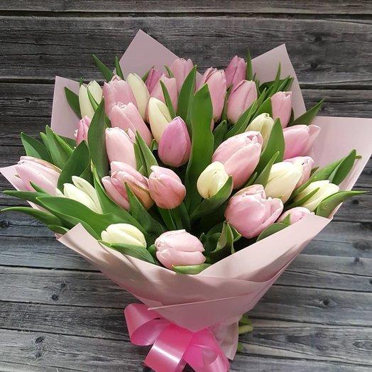 Букет из 35 тюльпанов к 8 марта