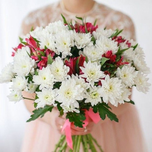 Bouquet of chrysanthemums and alstroemerias: flowers to order Flowwow