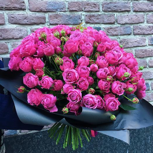 Охапка малиновых роз: букеты цветов на заказ Flowwow