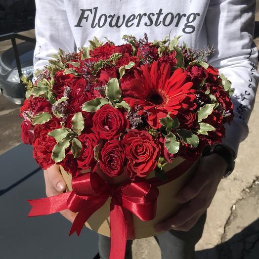Коробка из роз: букеты цветов на заказ Flowwow