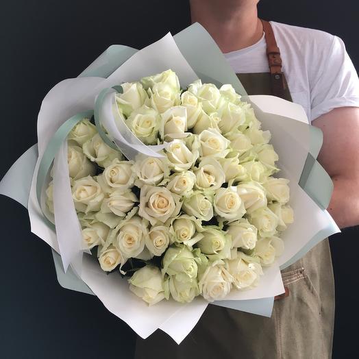 49 белых роз