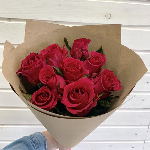 Букет из 9 малиновых роз в крафте: букеты цветов на заказ Flowwow