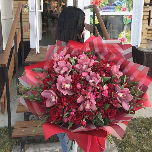 Восхитительная женщина: букеты цветов на заказ Flowwow