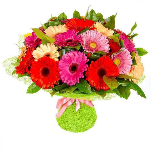 "Букет из гербер ""Шкатулка с самоцветами"": букеты цветов на заказ Flowwow"