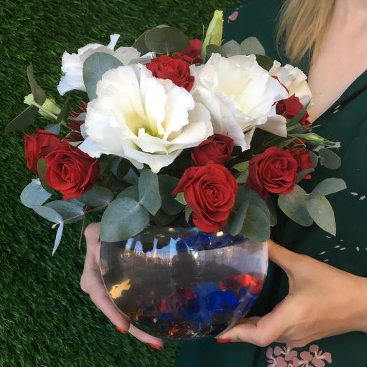 Рыба в аквариуме Exclusive: букеты цветов на заказ Flowwow