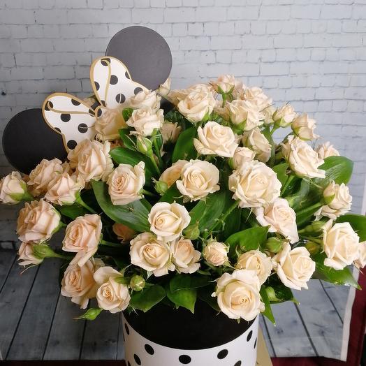 Шляпная коробочка с кустовыми розами