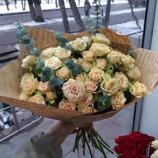 """Кустовая роза """"Helena"""": букеты цветов на заказ Flowwow"""