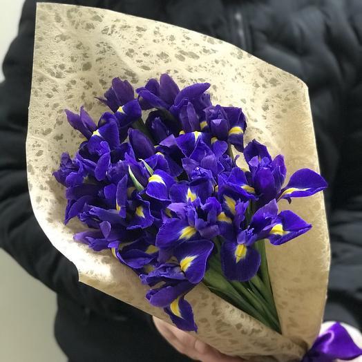Букет из 19 ирисов: букеты цветов на заказ Flowwow