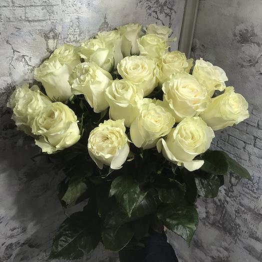 Букет 19 белых роз 70 см